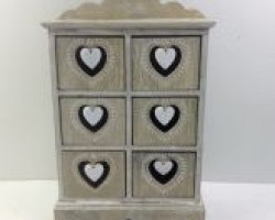 heart cabinet with 6 lattice 1702037