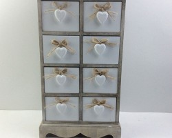 1702011 white heart cabinet with 8 lattice